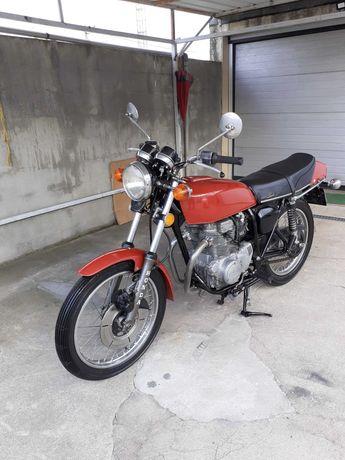 Honda CB 250 super sport