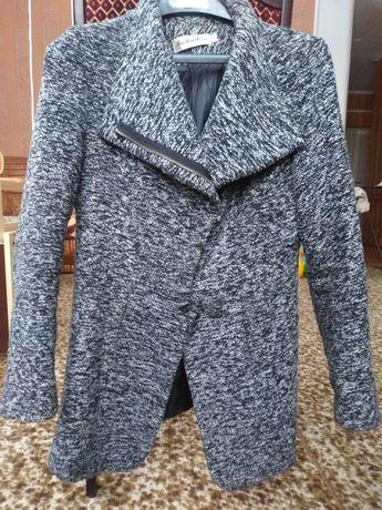 Продам пальто весна/осінь