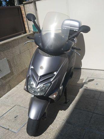 Scooter Aprilia Leonardo 125