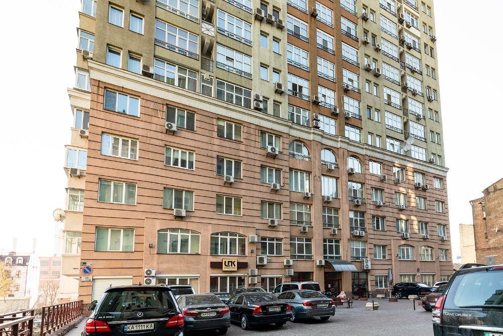 Снять 3к посуточно в центре Киева в новом доме с парковкой (173)-1