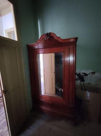 Mobília recheio casa antiga