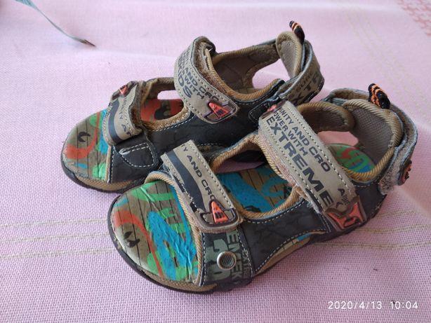 Sandałki dziecięce r.25
