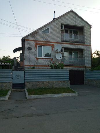 Продаж будинків в Україні