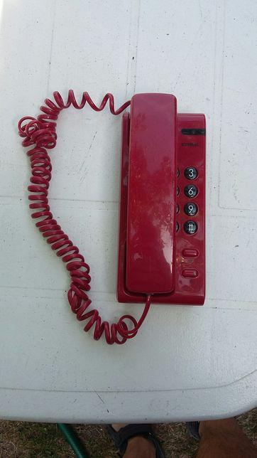 Telefon z czasów prl