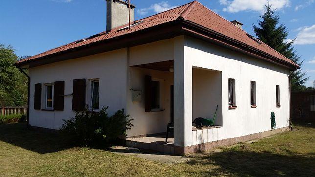 Dom w małej osadzie Greszczyn, gm. Fałków