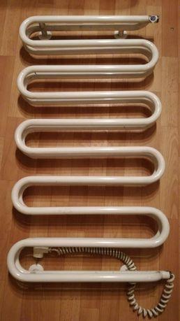 Instal projekt suszarka elektryczna do łazienki biała 480W