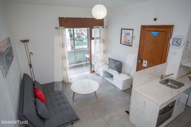 Apartamento T1 RENOVADO, Ao lado da praia no Estoril