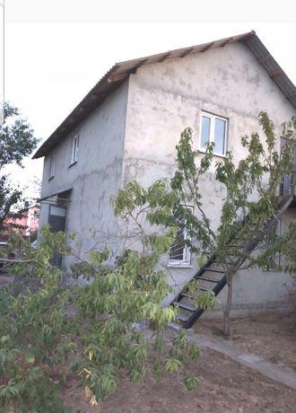 Дача двух поверхова