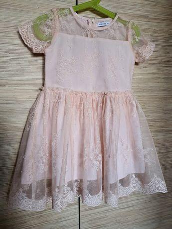 Sukienka/sukieneczka z koronka roz.104 Reserved/ na święta