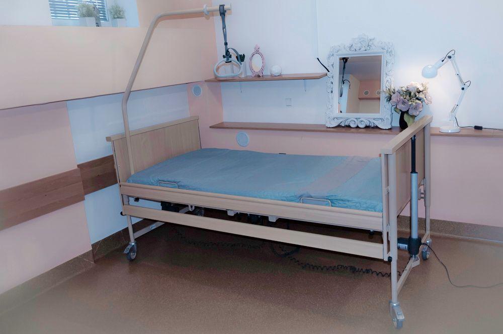 Łóżko rehabilitacyjne elektryczne 120zł/mc+ materac p/odleżyn. gratis Sanniki - image 1