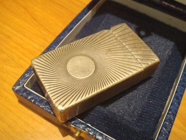 Isqueiro antigo em prata