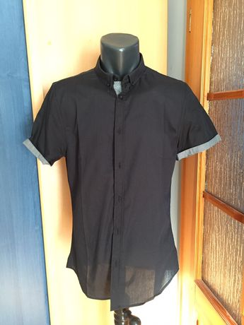 Czarna koszula z krótkim rękawkiem- rozmiar S slim fit