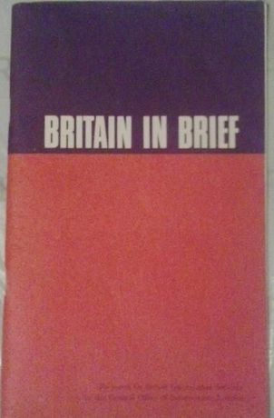 """Central Office of Information in London """"Britain in brief"""" 1975"""