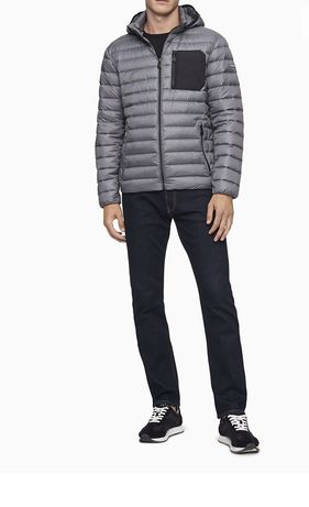 Стильный всегда актуальный  пуховик куртка ветровка Calvin klein XS/S