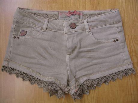 Продам джинсовые шорты Bershka на девочку 7 - 11 лет