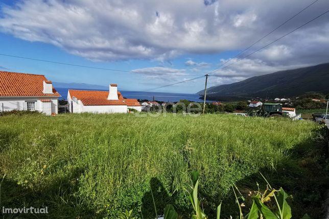Terreno para Habitação com vista mar na Prainha