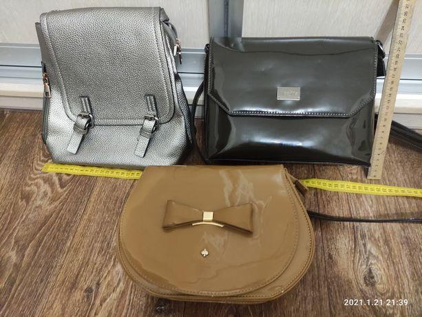 Женская лакированная сумка небольшого размера б/у
