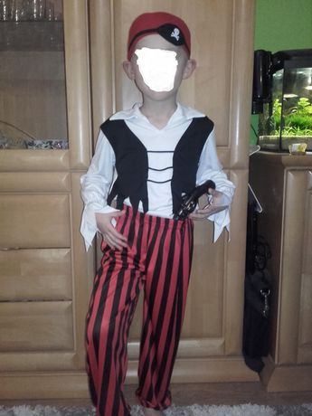 Zarezerwowany do 23.01. Strój karnawałowy,pirat, 116/122, kostium