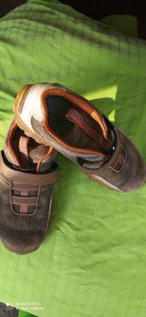 Продам кожаные кросовки