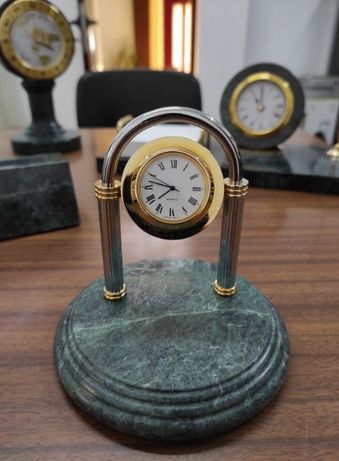 Relógios de Secretária em Marmore Maciça - Preço varia com a peça