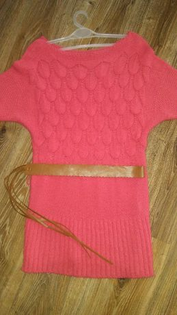 Piekna narzutka sweterek