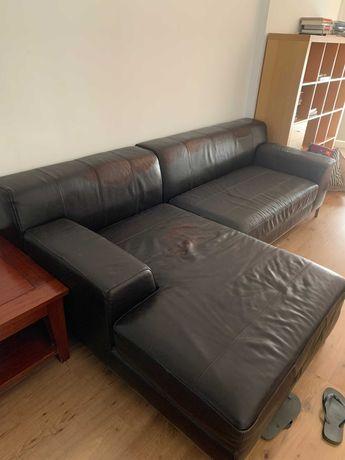 Sofá de pele com chaise-longue