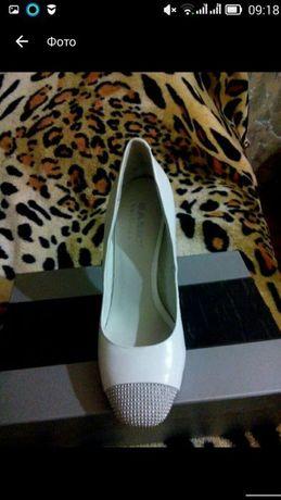 Срочно продам свадебные туфли 37 размер