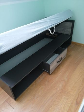 Łóżko pojedyncze z pojemnikiem