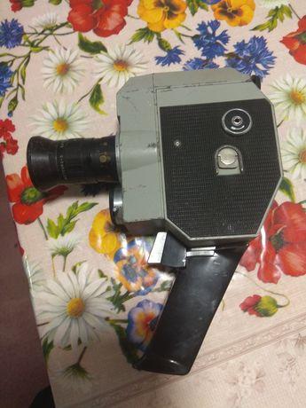 Продам кинокамеру Кварц 5