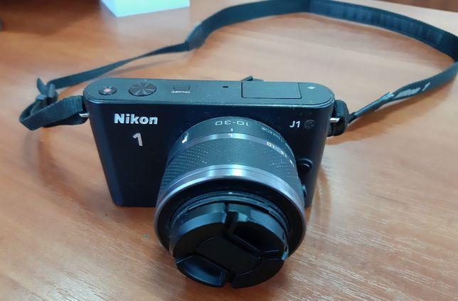 Продам nikon 1j1 с объективом 10-30 полностью рабочий!