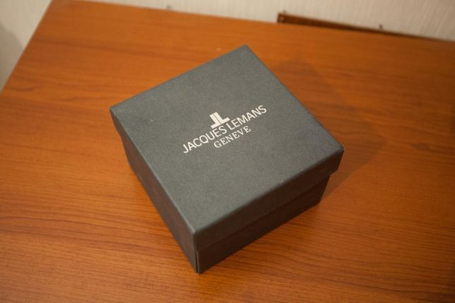 Коробка от часов Jacques Lemans