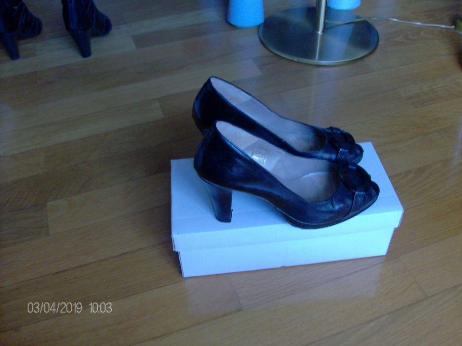 Sapatos de senhora em verniz, pretos nº 36 Vila Nova de Gaia - imagem 1