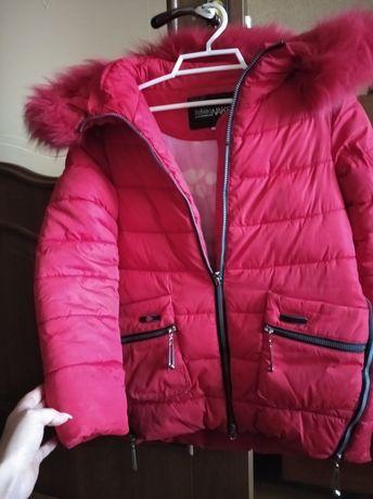 Продам зимову куртку для дівчинки 9-10 років