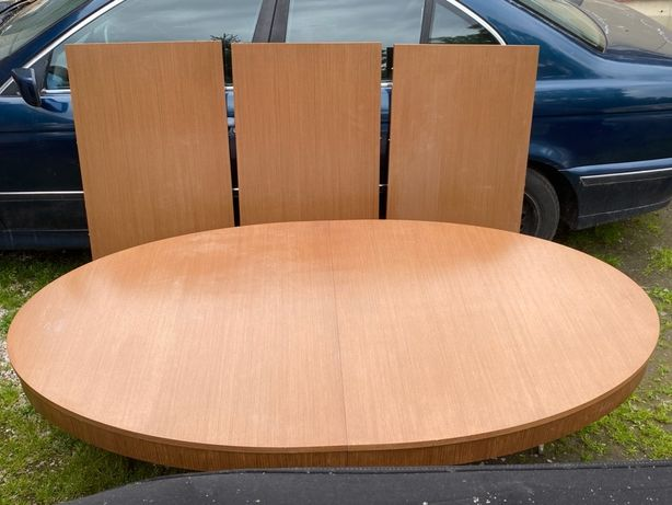 Stół rozkładany na 24 osoby po rozłożeniu 3.90x1.15 na 8 nóg