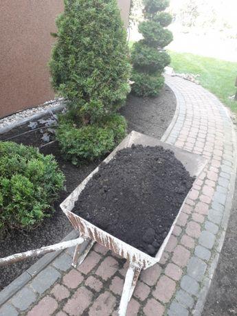 Czarnoziem Ziemia urodzajna ogrodowa żwir kamień beton