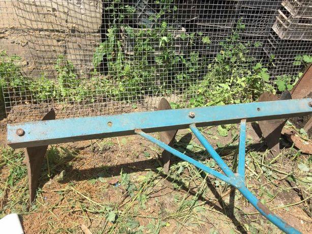 Рало для посадки картошки, картофелекопалка.