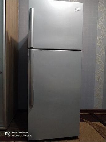Холодильник LG No Frost идеальное состояние