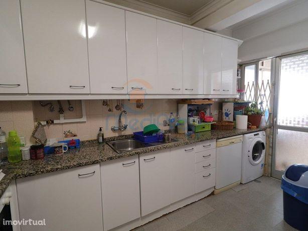 Apartamento T3 (4 ass.) em Odivelas