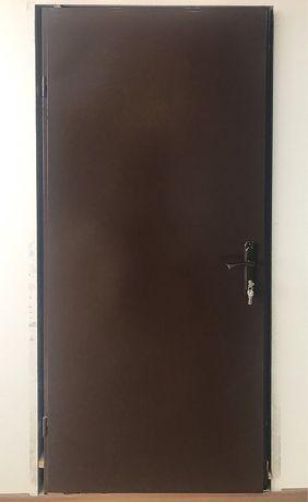Двери технические в дом подвал сарай