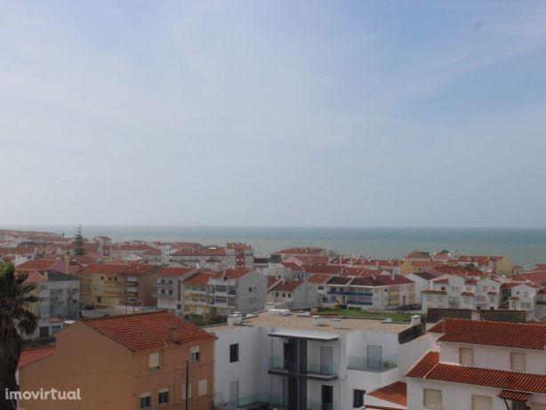 Apartamento T2+1 duplex com vista de mar.