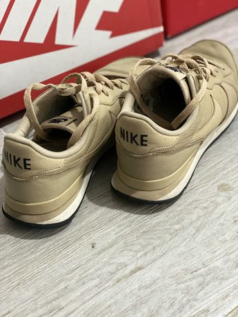 Buty Nike 42,5 eur. 27 cm jak nowe skorka lekkie wygodne