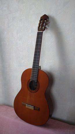 Классическая академическая гитара Yamaha C40, Б/У в отличном состоянии