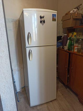 Продам холодильник Yamaha, полурабочий. Сделан в Японии
