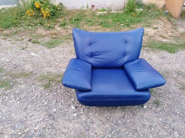 Кожаный диван комплект