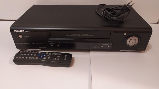 Odtwarzacz do kaset video firmy Philips, model: VR 732 (sprawny)