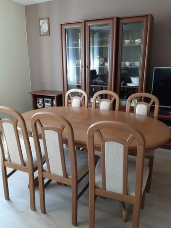 Stół drewniany rozkładany z krzesłami (6 do 10 osób), 6 krzeseł