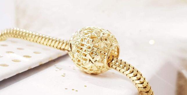Złota zawieszka do bransoletki