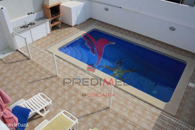 Moradia T3+3 com Piscina em Vila Nova de Cacela equipada e mobilada
