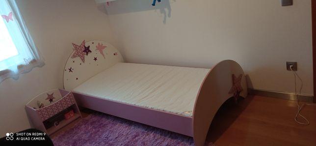 Conjunto cama de solteiro menina + mesinha de cabeceira