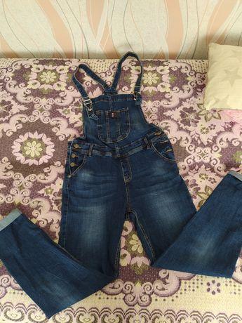 Комбінізон джинсовий можна для вагітної  також